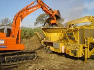 Broyage de souches, déchets verts et bois de démolition