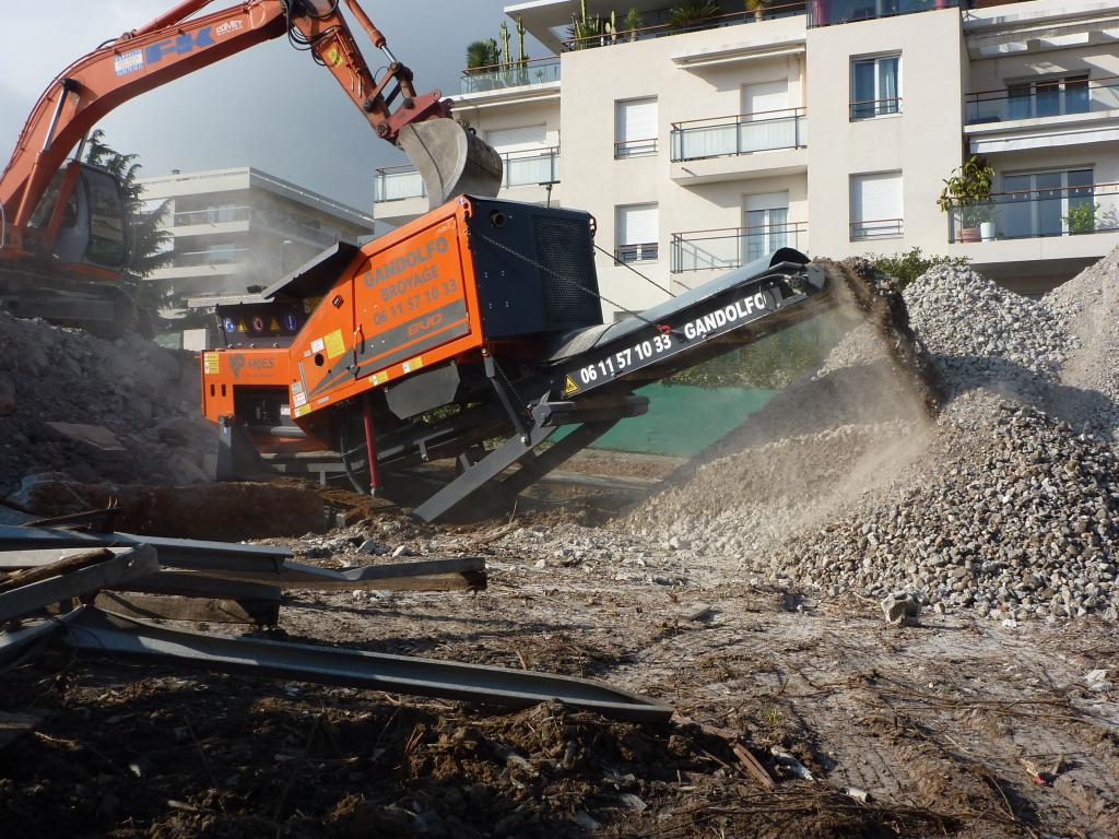 Broyage gravats beton - SARL Gandolfo Grasse 06
