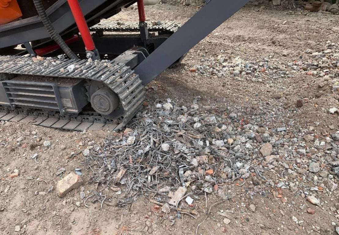Broyeur sur chenille tout terrain pour travaux et chantier en PACA - 83 - 06 - SARL Gandolfo Gilbert